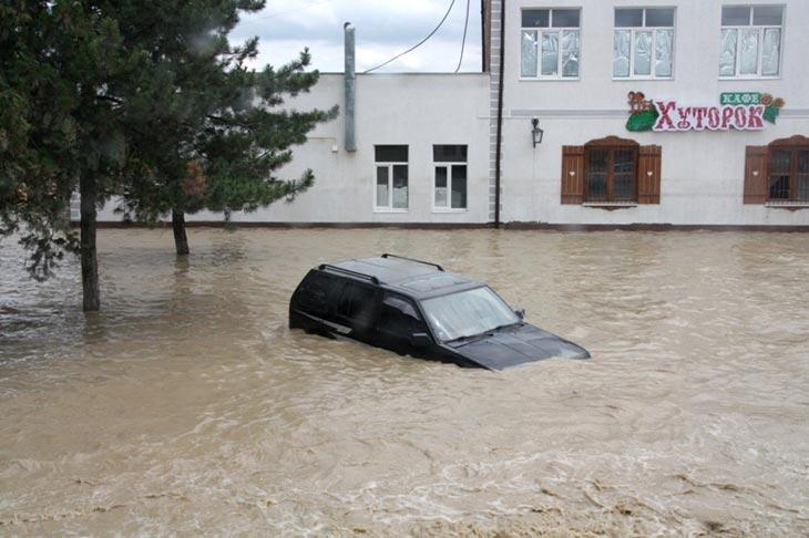 Крымск, июль 2012 года. Фото с сайта ГУ МВД России по Краснодарскому краю